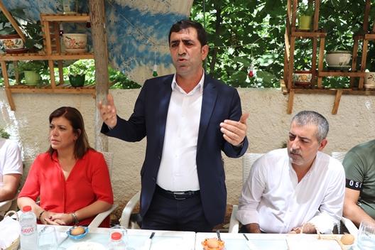 """""""TÜRKİYE'NİN EN BÜYÜK SORUNU TEK ADAM REJİMİ"""""""
