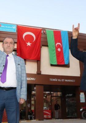 ERUH'LU ÜLKÜCÜLERDEN AZERBAYCAN'A BAYRAKLI DESTEK