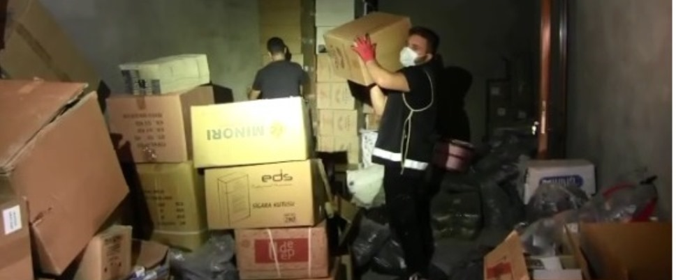 SİİRT POLİSİ KAÇAKÇILARIN ZULASINI PATLATTI