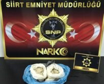 SİİRT'TE POLİSİ KARNI ŞİŞİK ADAMIN ÜZERİNDE EROİN BULDU