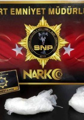 SİİRT POLİSİ UYUŞTURUCU'YA GEÇİT VERMİYOR