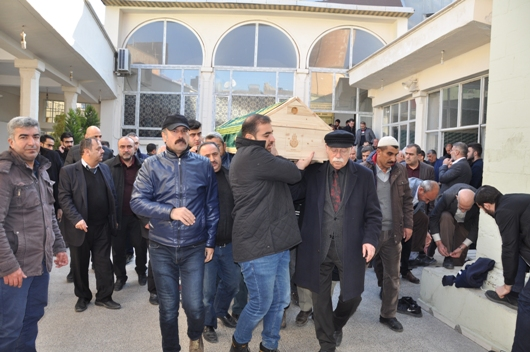 İŞ ADAMI SUAT KAYHAN MEMLEKETİ SİİRT'TE TOPRAĞA VERİLDİ