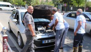 SEYİR HALİNDEKİ OTOMOBİLİN MOTORU ALEV ALDI
