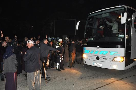 SİİRT'TE UMRE KAFİLESİ DUALARLA UĞURLANDI